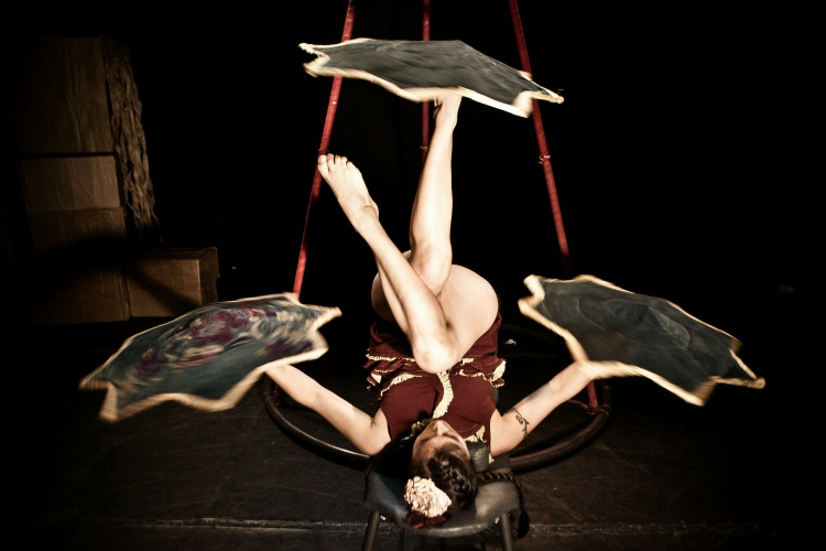 Ple de Circ amb el cabaret de Lacam